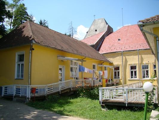 Csíkszentmártoni leányanyaközpont